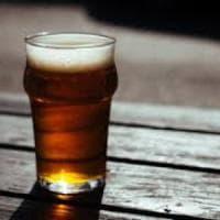 Le proprietà benefiche della birra. Forse contrasta anche l'Alzheimer