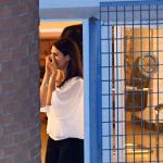 Lo scatto rubato: l'emozione di Virginia Raggi quando scopre al telefono i risultati