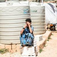 Dalla Siria al Libano scappando dalla guerra. Vita nei campi profughi di una generazione senza terra