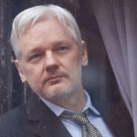 Assange, la Svezia accetta di interrogarlo a Londra