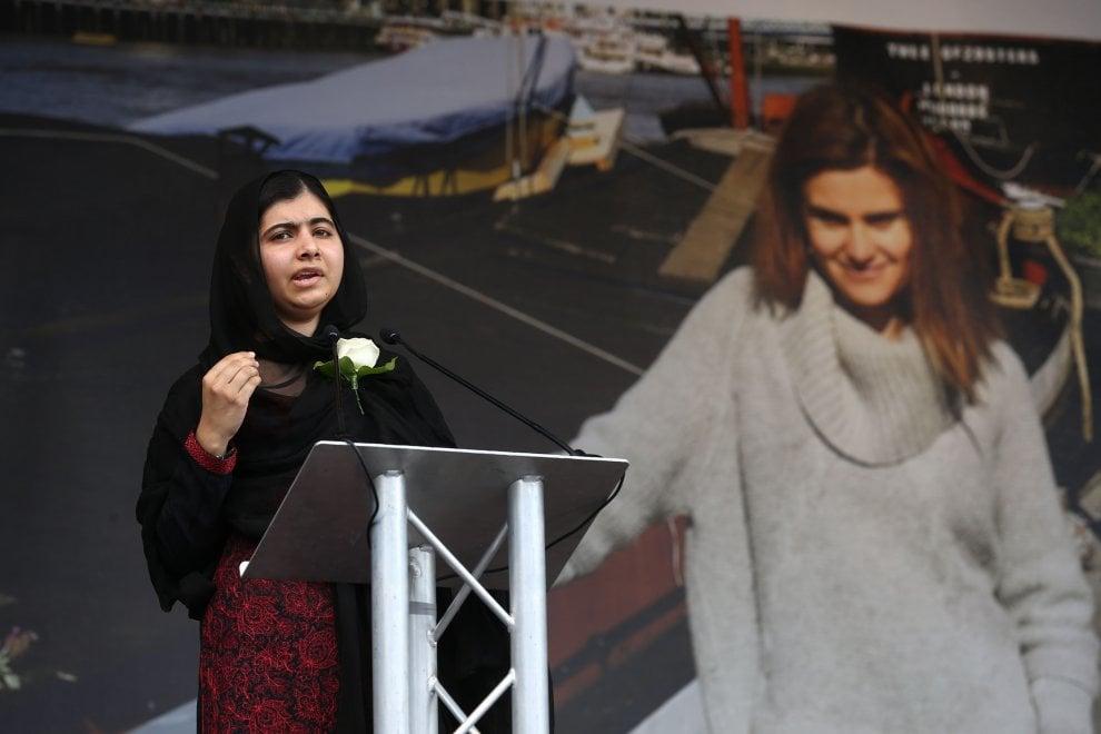"""Gb, Malala alle commemorazioni per Jo Cox: """"E' stata un gigante"""""""