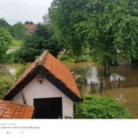Brexit, Gran Bretagna al voto sotto le piogge torrenziali: allerta inondazioni