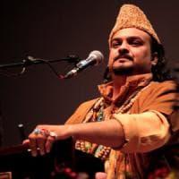 """Ucciso in Pakistan cantante Sufi, per i Talebani era un """"blasfemo"""""""