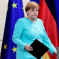"Brexit, i leader europei: ""Gran Bretagna subito fuori"". Merkel: ""L'Ue garantisce pace"""