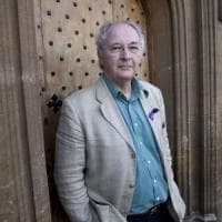 "Philip Pullman: ""Folle affidarsi a un referendum. Spero in Khan"""