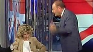 Lezzi (5S) contro Orfeo, e Vespa ''Che faccio? La prendo a schiaffi?''