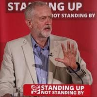 Brexit, scontro nel Labour: Corbyn silura il ministro degli esteri