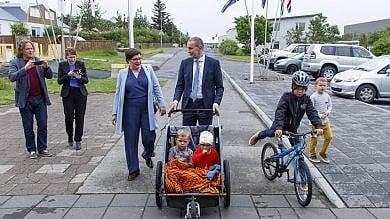 """Islanda, vince il candidato indipendente  Johannesson: """"Andrò a vedere la partita"""""""