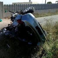 Taranto, scontro frontale sull'Appia: sei morti