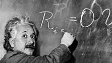 """Cambia l'immagine dell'universo, visto con gli """"occhiali"""" di Einstein"""