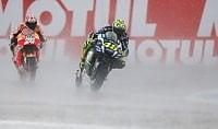 Caos pioggia, vince Miller   Rossi cade : ''Io somaro''