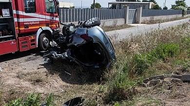 """Taranto, 6 morti in scontro fra auto   foto     Rabbia sindaco : """"Strada ad alto rischio"""""""