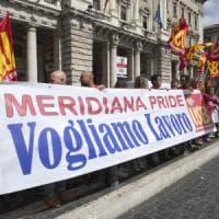 Qatar-Meridiana, accordo fatto: 396 esuberi e stipendi meno 20%