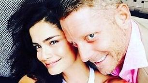 Lapo e Shermine coppia fissa Primi scatti insieme su Instagram
