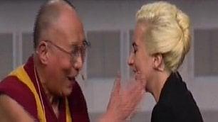 Lady Gaga e il Dalai Lama insieme  per parlare di gentilezza