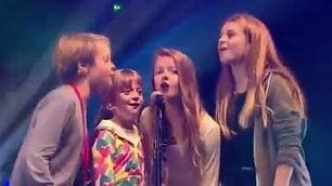 Tutti insieme appassionatamente Chris Martin e figli sul palco