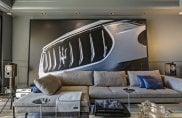 """La suite 321-322 dell'Hôtel de Paris """"veste"""" Maserati"""