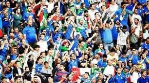 Boato per il gol di Chiellini Festa con il coro mondiale