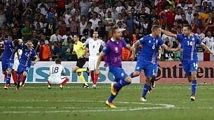 Islanda, il sogno continua   foto   Inglesi fuori anche nel calcio