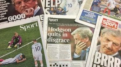 """La stampa britannica non ci sta """"Umiliata squadra di cretini""""   foto"""