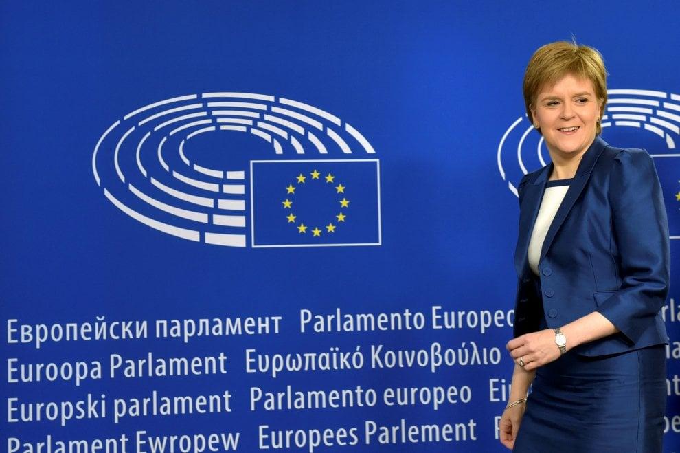 Brexit, le mosse della Scozia: incontra Schulz e Juncker