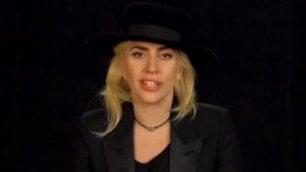 Quarantanove star per 49 vittime Lady Gaga e gli altri per Orlando