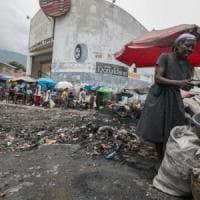 Povertà e spreco. In Italia 12,5 miliardi di euro l'anno finiscono nella