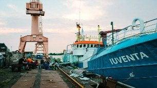 Salpa la nave dei ventenni  Iuventa salverà i migranti