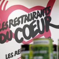 """Parigi, accoltellato al grido di """"Allah Akbar"""" direttore di un'associazione umanitaria"""