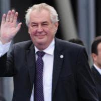 """Ue, presidente ceco: """"No a uscita, ma sì a referendum"""". Premier Sobotka contrario:..."""