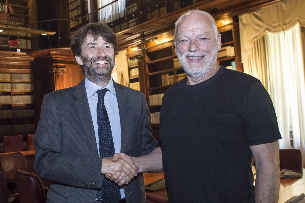 """David Gilmour, prima dello show al Circo Massimo l'incontro col ministro Franceschini: """"Italia, quanta bellezza"""""""