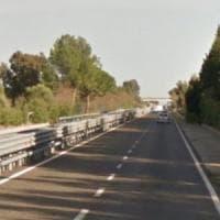 Assalto a un portavalori sulla statale 130 in Sardegna: sparatoria, un ferito