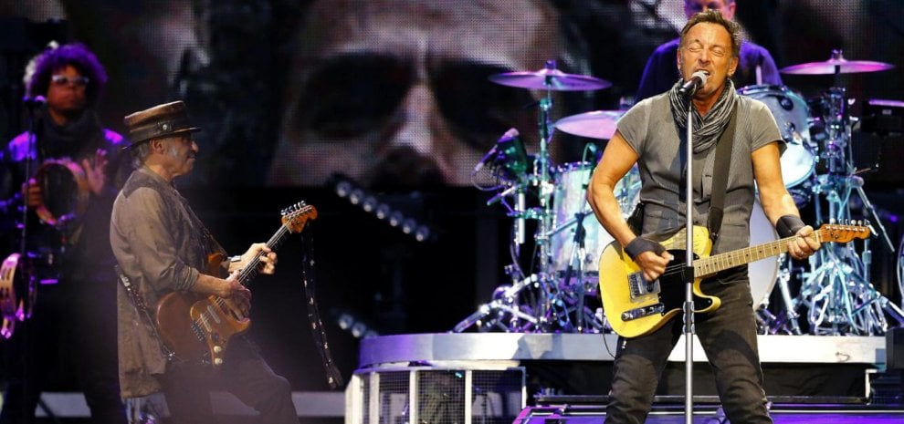 Bruce Springsteen, doppio show a Milano, Cindy Lauper suona le sue 'greatest hit'