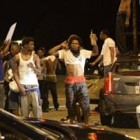 Usa, ambulante afroamericano ucciso dalla polizia in Louisiana. Protesta a Baton Rouge