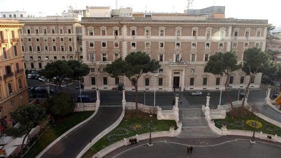 L 39 assistente di alfano e le telefonate al faccendiere - Arredatori d interni roma ...