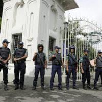 Bangladesh, assalti per la fine del Ramadan: 4 vittime, uccisi 2 agenti