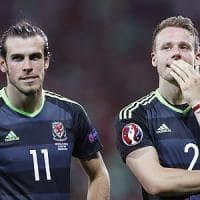 Galles, semifinale inaspettata: Gunter fa il testimone di nozze via