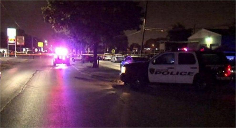 Houston polizia uccide un afroamericano armato il luogo for La strada motors houston tx