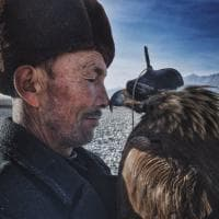 "iPhone Photography Awards, vince la Cina con ""L'uomo e l'aquila"""