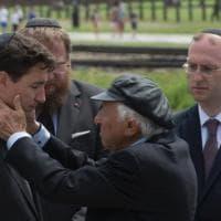 La sosta di Trudeau prima dell'Ucraina: una giornata ad Auschwitz