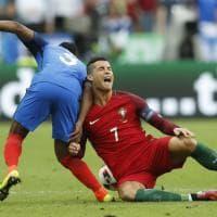 Francia-Portogallo: Ronaldo si fa male e lascia il campo in lacrime