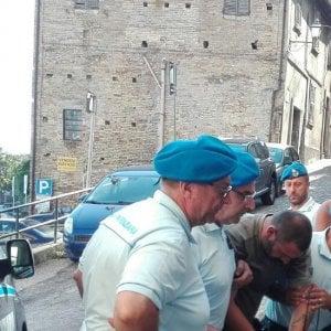 """Fermo, Mancini resta in carcere: """"Violento e pericoloso, pronto a perseguitare ancora"""""""