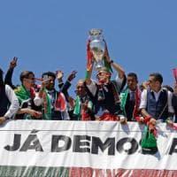 Portogallo, accoglienza da eroi per i campioni d'Europa. Ronaldo:
