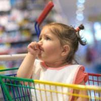 La rivincita del bebè, meno allergie per chi si ciuccia il dito
