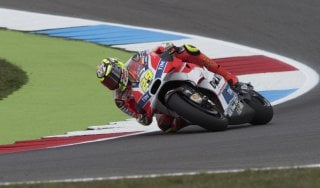 Motogp, GP Germania: Vinales vola nelle libere, male le Yamaha