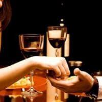 Il segreto del primo appuntamento? Anche ordinare lo stesso cibo