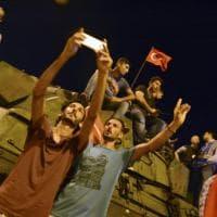 Golpe fallito in Turchia: la festa dei sostenitori di Erdogan