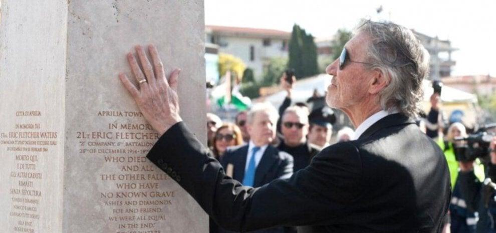 """Roger Waters: """"Grazie Harry per aver trovato mio padre"""""""