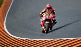 MotoGp, Germania: Marquez in pole, terzo Rossi