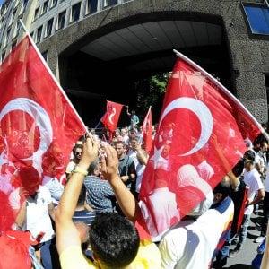 Turchia: accuse a Usa per il golpe, ira di Kerry. Governo arresta 3mila magistrati